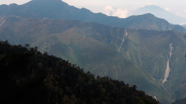 【第185山】 大無間山 2,329メートル(静岡県) 巨大極まる南アの秘峰